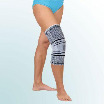 B 02 - Ortéza kolenní úpletová se stabilizací pately